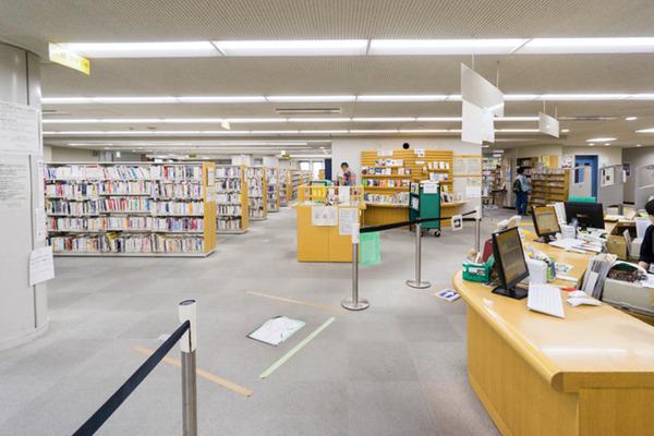 中央図書館-18082240