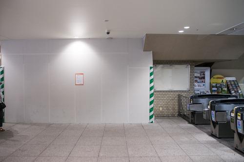 樟葉駅内-14060316