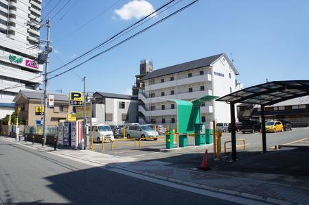 ビオルネ裏駐車場20120817134557