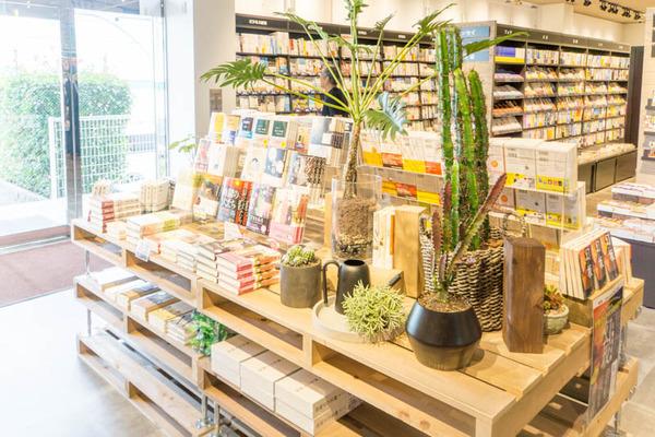 TSUTAYA東香里店-17093017