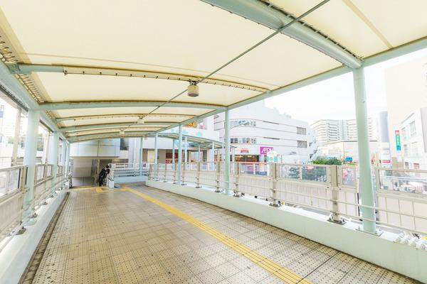 大阪・枚方市のコワーキングスペース ビィーゴまでの行き方 枚方ビオルネへの連絡橋