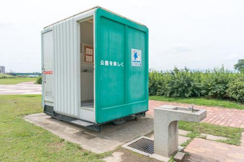 淀川河川公園トイレ-2