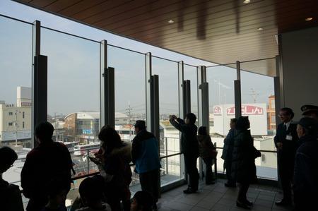 長尾駅内覧会130202-75