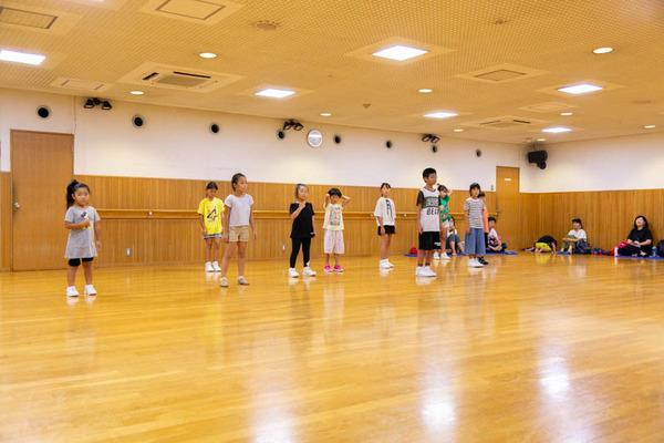 dance-18072879