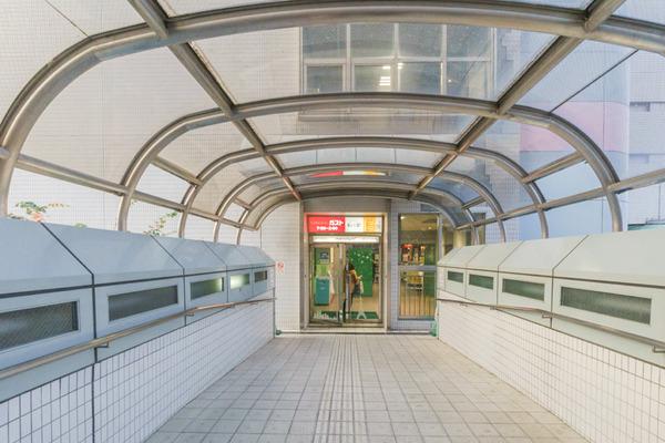 大阪・枚方市のコワーキングスペース ビィーゴまでの行き方 枚方ビオルネ入り口