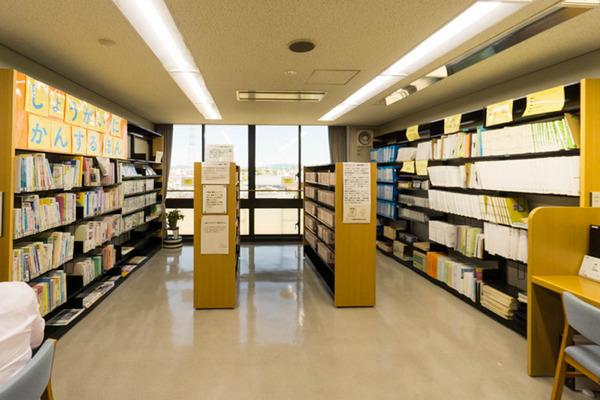中央図書館-18082216