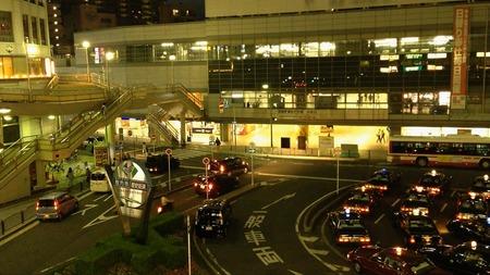 枚方市駅南口130514_03