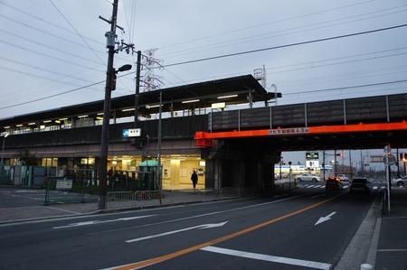 藤阪駅120205_01