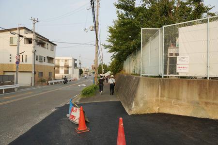 枚方茨木線歩道設置工事130815-12