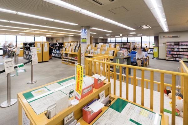 中央図書館-18082263