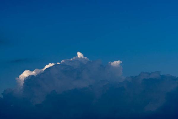 雲-1907243
