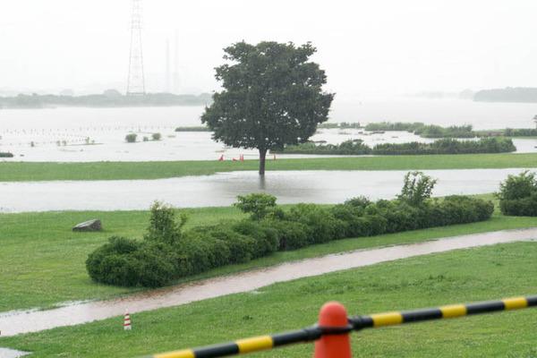河川公園3-1807064