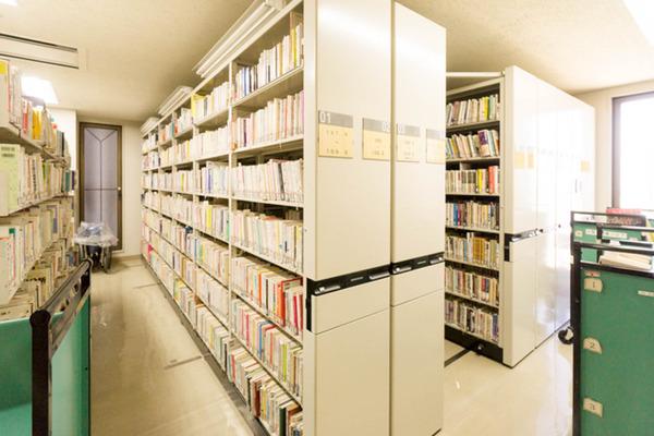 中央図書館-18082236