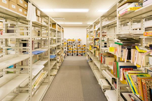 中央図書館-18082212