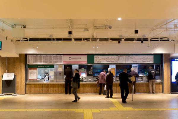 枚方市駅-18120318