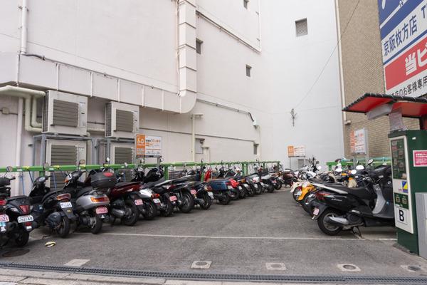 枚方市駅駐輪場-16101750