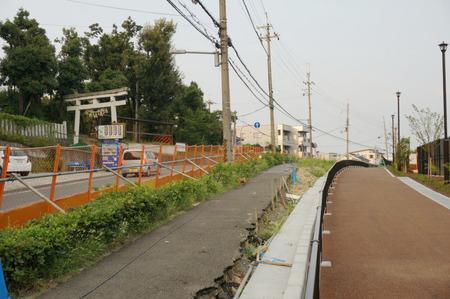 枚方茨木線歩道設置工事130815-46