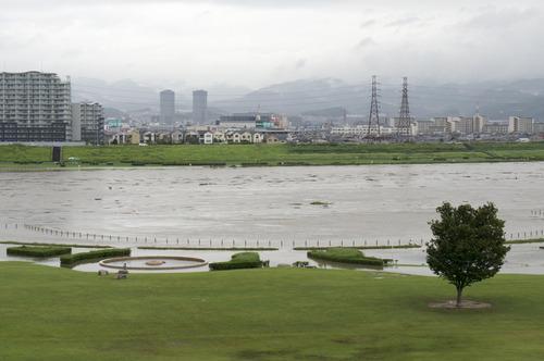 台風11号・淀川-5
