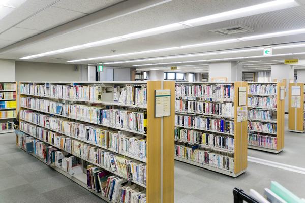 中央図書館-18082248