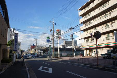 セブンイレブン寝屋川田井20120902170542