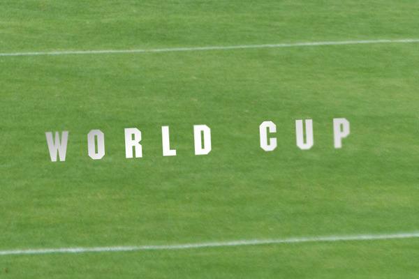 ワールドカップ2-1806101