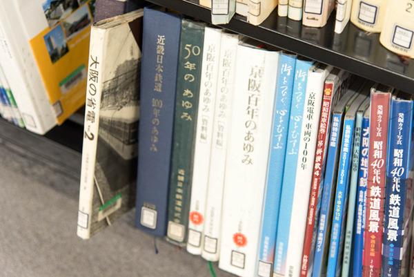 中央図書館-18082226