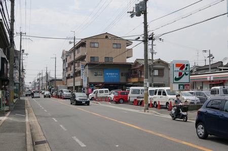 セブンイレブン枚方東船橋店130724-03