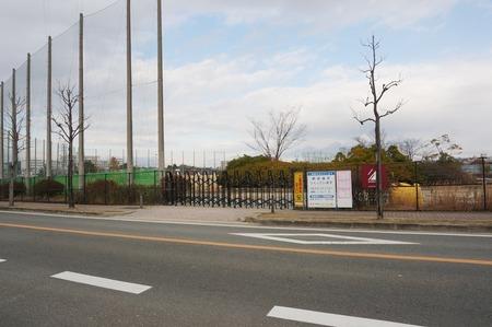 大阪工業大学野球場140102-06