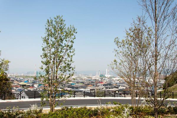 関西外大中庭-18032920
