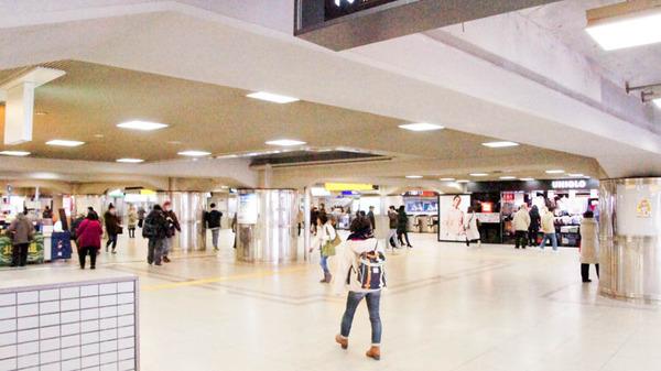 枚方市駅-1802212