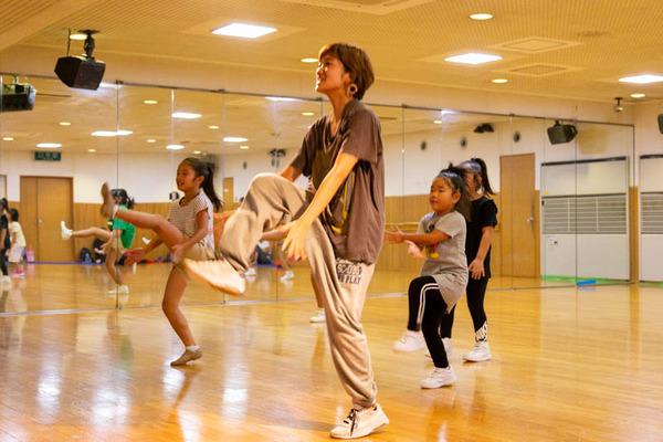dance-18072845