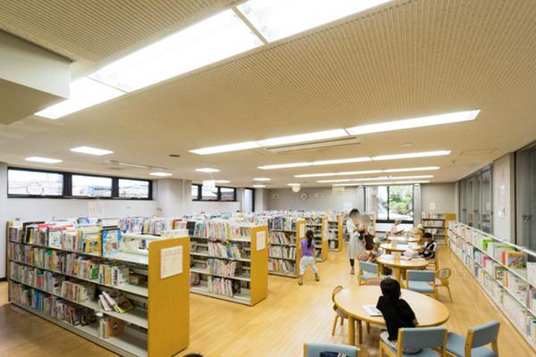 中央図書館-18082271