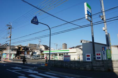ファミリーマート寝屋川田井店130321-02
