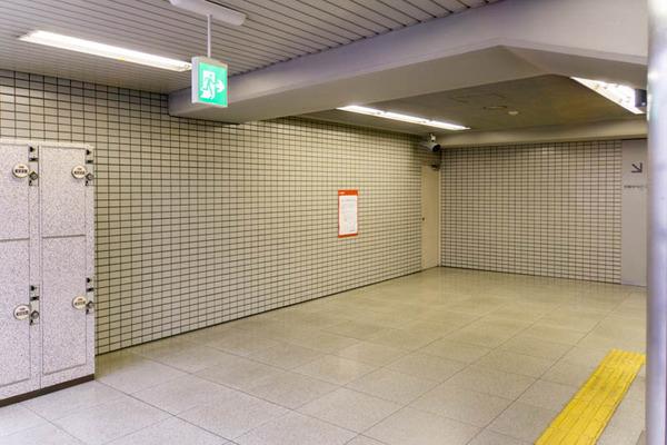 階段と通路-1710027