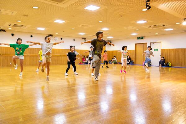 dance-18072858
