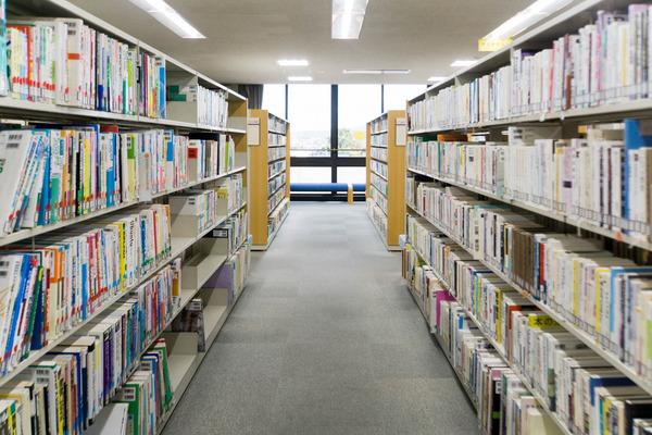 中央図書館-18082246