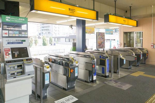 枚方公園駅-18102226