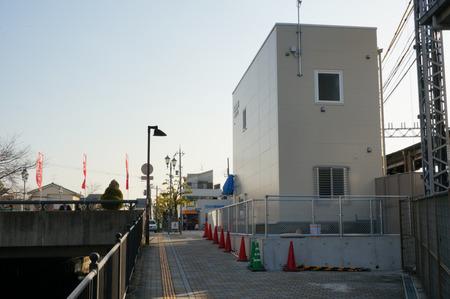 御殿山駅前交番130228-17