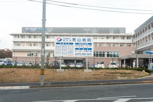 男山病院駐車場-1410218