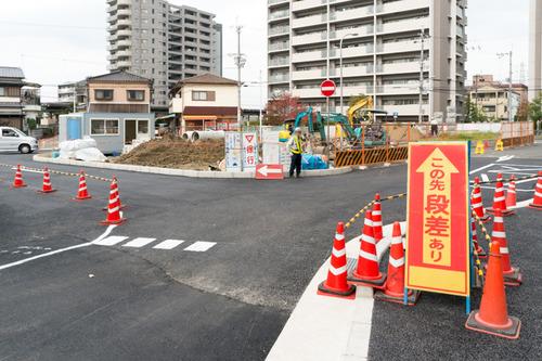 津田駅前-14111210