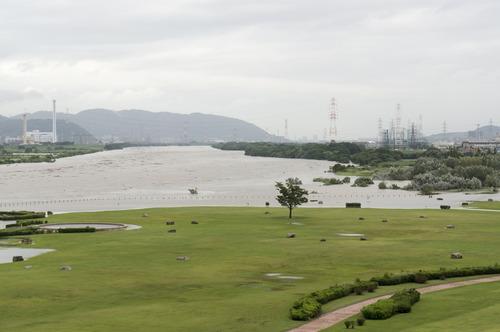 台風11号・淀川-13