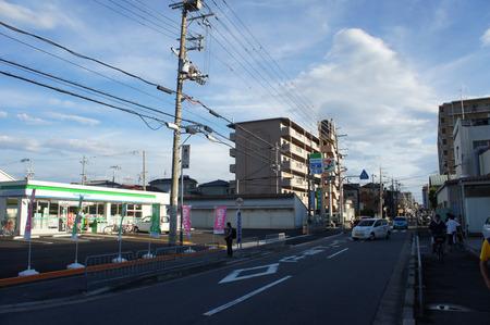 ファミリーマート寝屋川田井20120902170752
