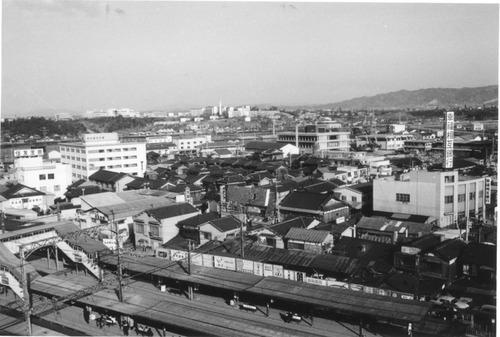枚方市駅と市民会館