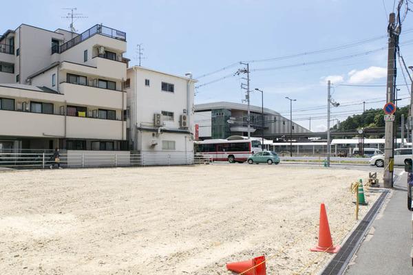 長尾駅前-1706136