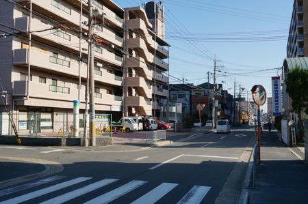 セブンイレブン寝屋川田井店130321-15