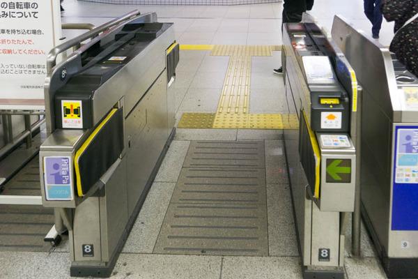 枚方市駅-1804232