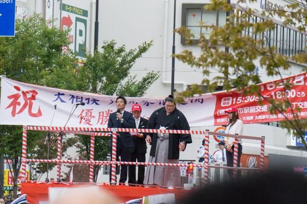 豪栄道優勝祝賀パレード-8