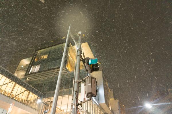 枚方市駅の雪-21