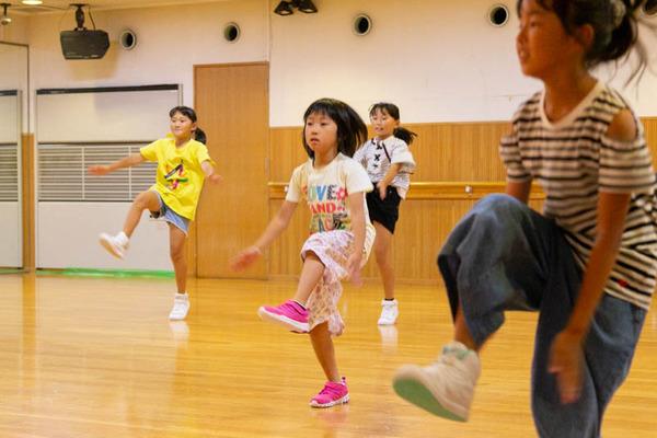 dance-18072847