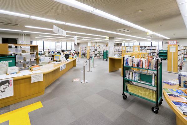 中央図書館-18082247